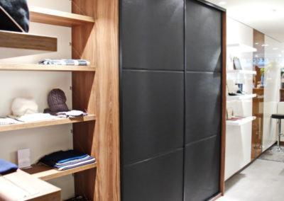 Magnifique façade coulissante en cuir noir