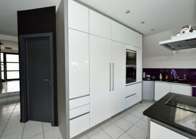 Meuble cuisine avec intégration réfrigérateur et congélateur